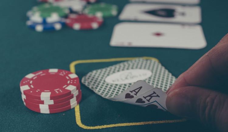V Rozvadově dnes začíná turnaj v pokeru, má přijet 5500 hráčů