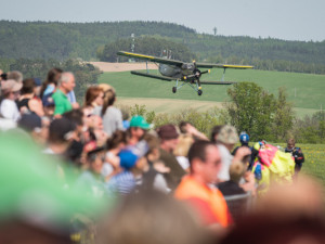 Letecký den v Plasích ukáže nejlepší akrobacii i armádní letouny
