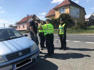 Policisté během Velikonoc kontrolovali skoro dva tisíce řidičů. Každý šestý spáchal přestupek
