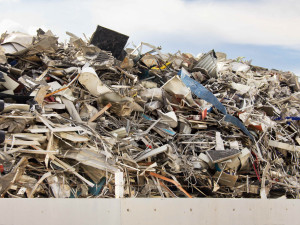 Provozovatel drtičky odpadů v Kařezu dostal stotisícové pokuty