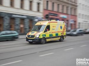 Při nehodě osobního auta u Kařezu zemřel řidič