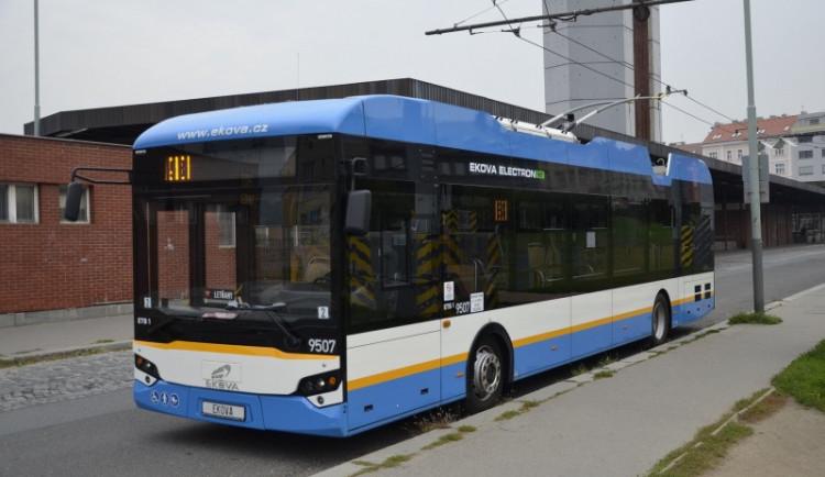 V Plzni začnou testovat novou linku s trolejbusy Škoda a Ekova