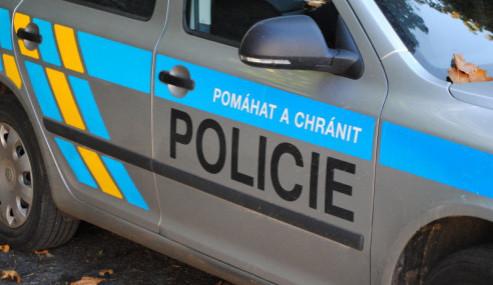 U Domažlic se střetla dvě auta, muž je v kritickém stavu
