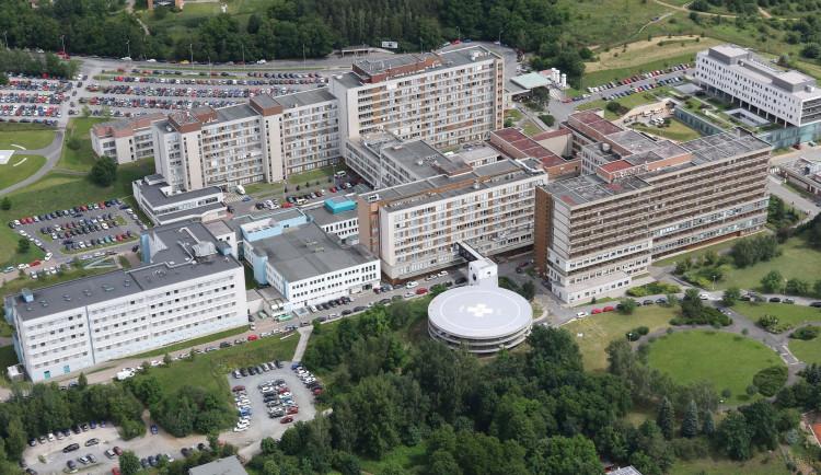 Fakultní nemocnice v Plzni pořídí robota na některé typy operací