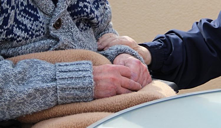 Železná Ruda rozdělí mezi 370 seniorů 300 tisíc korun na léky