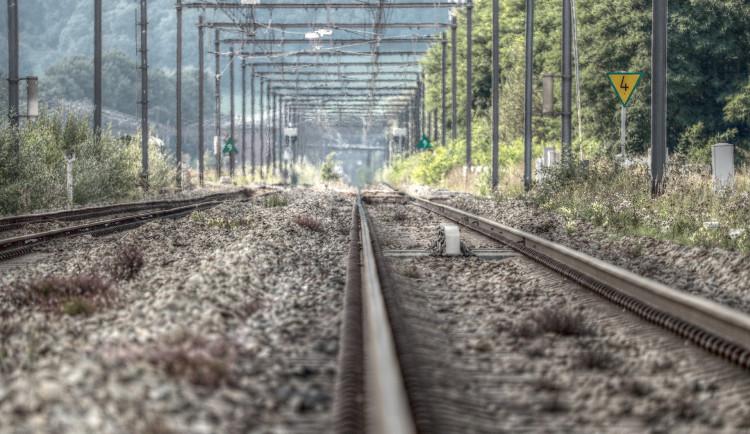 Vlakům na Domažlice přibyla v Plzni druhá kolej, výluka končí