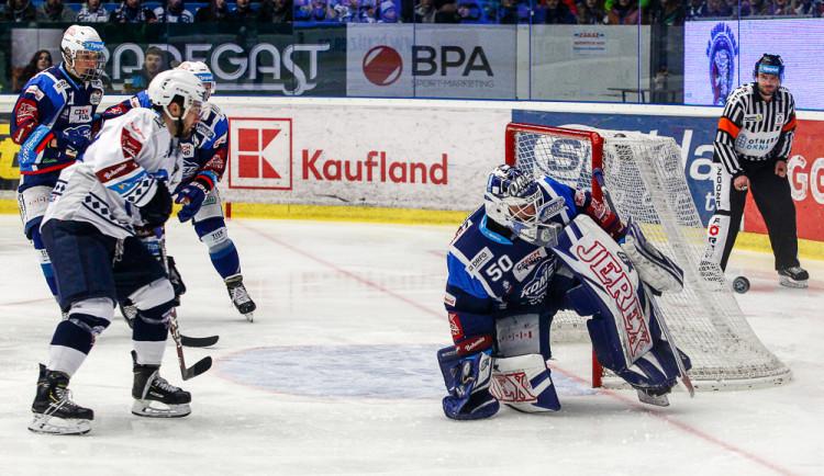 Hokejisté Komety venku opět prohráli, v Plzni padli 2:4