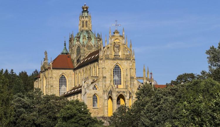 V klášteře Kladruby začal unikátní transport barokních soch