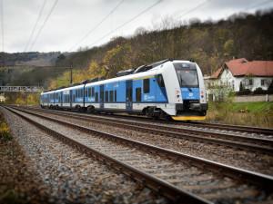 V Chrástu u Plzně mají novou zastávku, vlaky jezdí více lidí