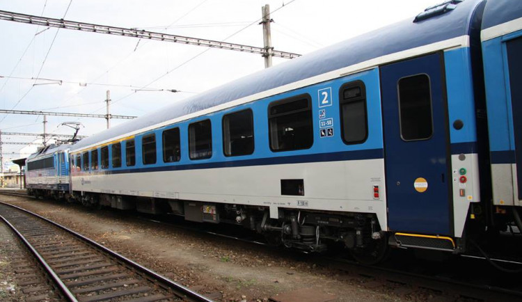 Plzeňský kraj příští rok posílí veřejnou železnici i autobusy