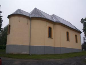 V Rozvadově se 780 obyvateli jsou tři kostely, lidé o ně pečují