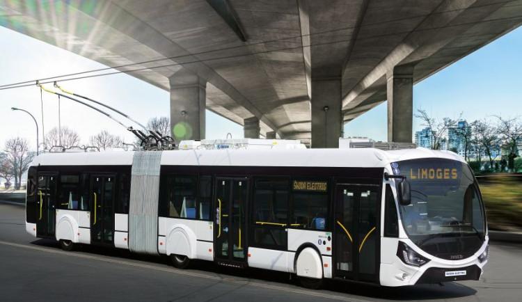 Škoda Electric a Solaris dodaly prvních pět trolejbusů pro Francii