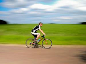 Cyklisté by už letos měli pohodlně dojet po trase z Plzně do Brd
