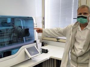 Nechystáme plošné vyšetřování zdravotníků na nový koronavirus, říká krajský hygienik