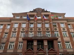 Koronavirus řádí mezi členy vedení Plzeňského kraje, hejtman má ale negativní test