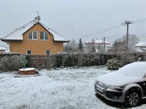 Předpovědi meteorologů se vyplnily, sněžilo a v noci zasáhne Plzeňský kraj silný mráz
