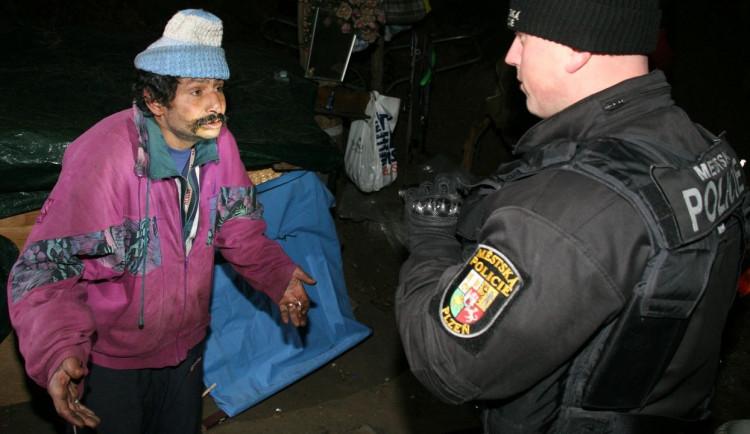 Pro plzeňské bezdomovce buduje město stanový tábor, chybět nebude ani karanténa