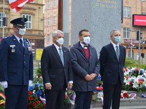 Vzpomínkou u pomníku na Americké končí letošní Slavnosti svobody. Letos trochu jiné
