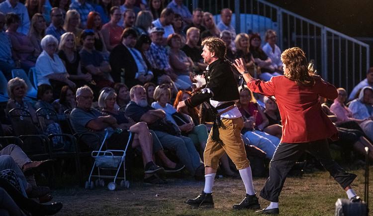 Festival Divadelní léto bude, musí ale omezit program i počet diváků