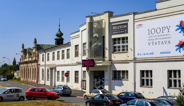 POLITICKÁ KORIDA: Jak by mělo město Plzeň naložit se zdevastovaným KD Peklo?