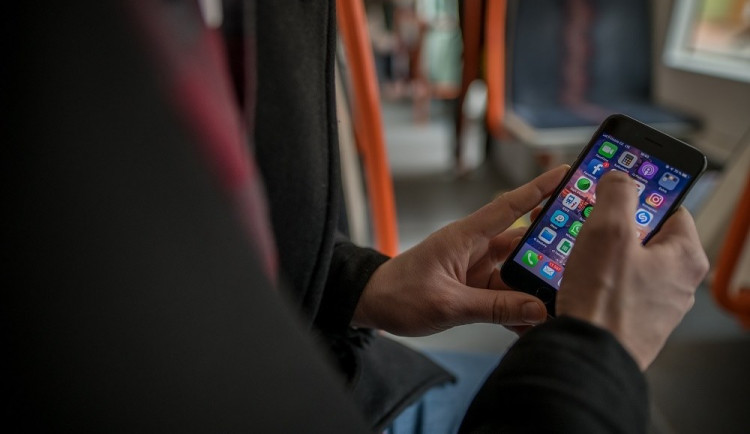 Volání, internet ani televize nefungovala. Vodafone postihl masivní výpadek
