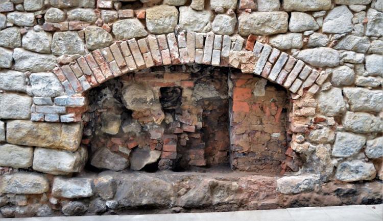 Unikátní nález v centru Plzně odhalil 300 let staré sousedské spory