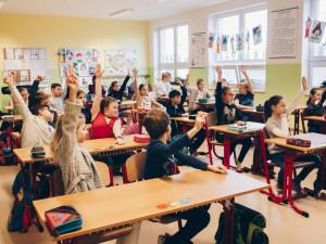 Spokojenost rodičů s dálkovou výukou žáků v době koronaviru chce znát město Plzeň