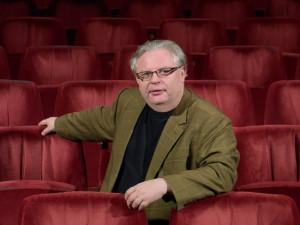 Ředitel Divadla J. K. Tyla si v něm také poprvé zahraje, roli má v My Fair Lady