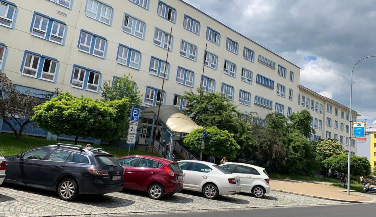 Je rozhodnuto, město nabídne k prodeji polikliniku Slovany za 69 milionů korun