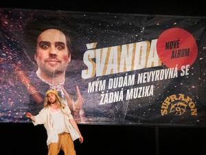 Divadelní léto se muselo kvůli pandemii uskromnit, Švanda dudák ale zůstává