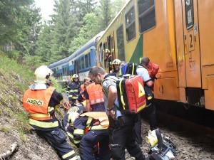 Vlak na Vary měl v Perninku podle inspekce čekat, což se nestalo