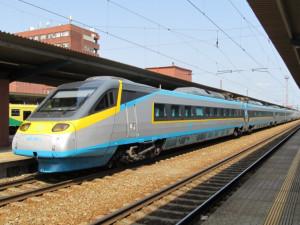Pendlino začalo hořet po příjezdu na plzeňské nádraží, přes 200 cestujících muselo opustit  soupravu