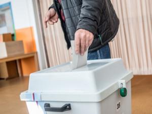 Volební model: ANO s náskokem dál vede před Piráty a ODS