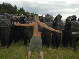 Před 15 lety policie brutálním zásahem ukončila legendární CzechTek 2005