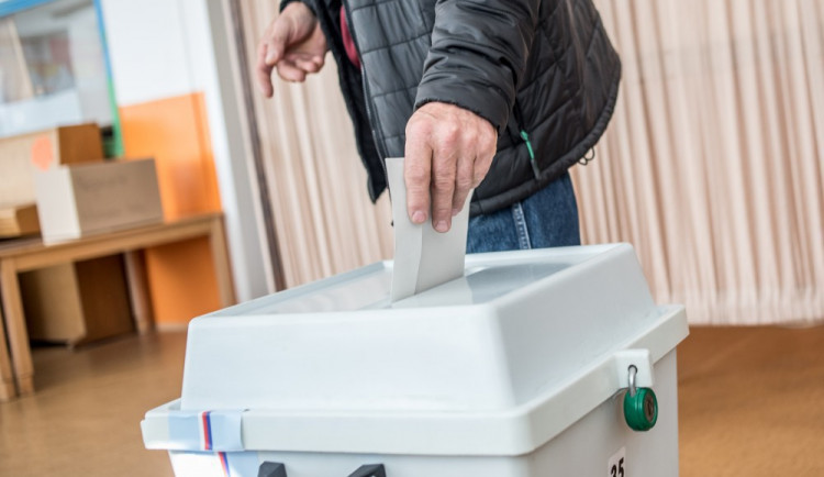 Jedna politická strana stáhla svoji kandidátku pro krajské volby v Plzeňském kraji