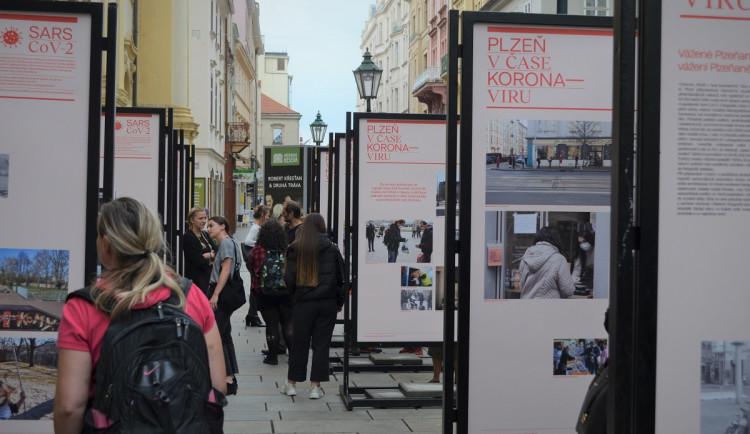 Unikátní fotografie zachytily, jak se žilo v Plzni v době koronavirové