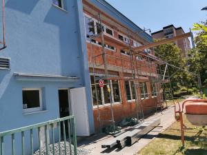 Naplno běží o prázdninách opravy i přestavby plzeňských základních a mateřských škol