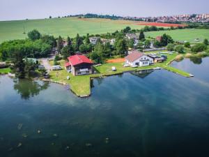 Voda v koupalištích Plzeňského kraje je stále vhodná ke koupání