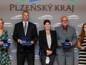 Čtyři stateční převzali Cenu hejtmana Plzeňského kraje za záchranu života