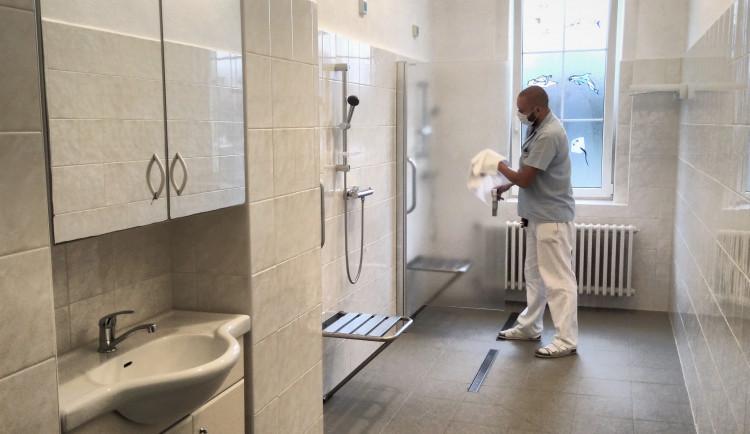 Pacienti s handicapem se v Horažďovicích dočkali nových umýváren