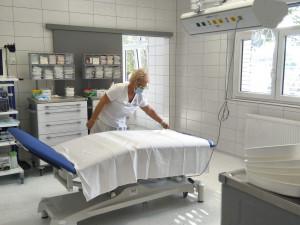 Do přístavby Stodské nemocnice se nastěhovala gastroenterologie a v novém je i JIP a plicní ordinace