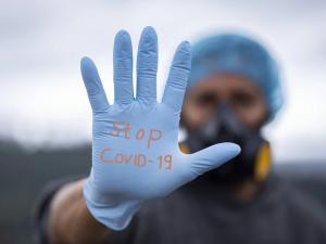 Hygienici dnes v podvečer evidují 1024 nových pacientů s covidem, včera jich bylo 2111