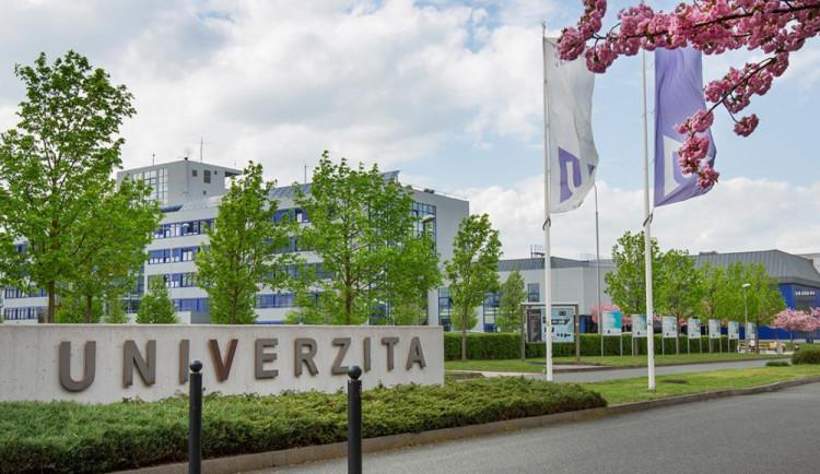Plzeňské vysoké školy přechází od středy na distanční výuku, nejvíce to odnesou prváci