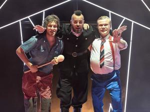DJKT uvede v premiéře kontroverzní hru Dortel, inspirací se stal i frontmen skupiny Ortel