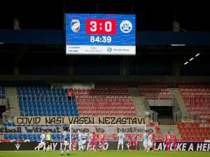 Na fotbal může v Plzni už jen 2000 diváků, přednost dostanou permanentkáři