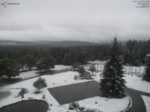 První sníh je tady! Šumava se probouzela do bílého dne