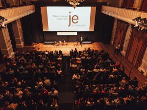 Hlavní cenu na filmovém festivalu Finále Plzeň získalo drama Budiž světlo