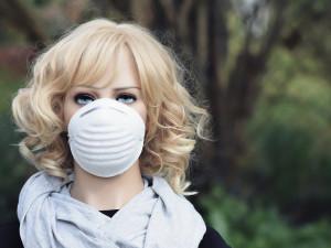 HasičiPlzeňskéhokraje dovezli respirátory pro všechny učitele, zítra je budou rozvážet