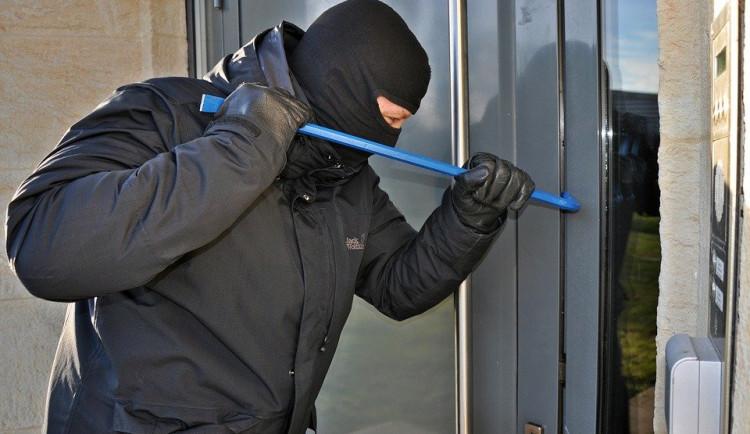 Pozor, restaurace a hotely uzavřené z důvodu nouzového stavu lákají zloděje