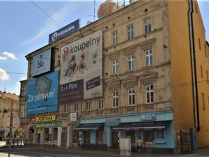 S vizuálním smogem chce město Plzeň zatočit pomocí nových manuálů reklamy